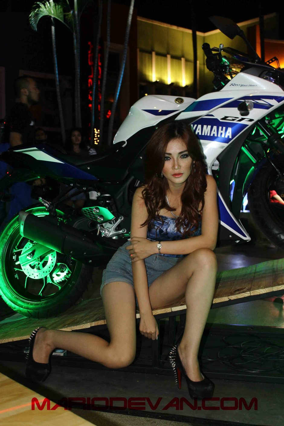 Model cantik Yamaha R25