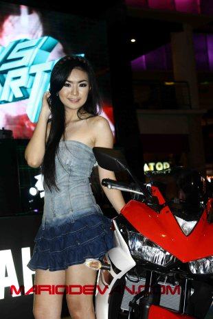 model Yamaha R25