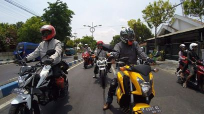 touring CB 150r dan big bike honda