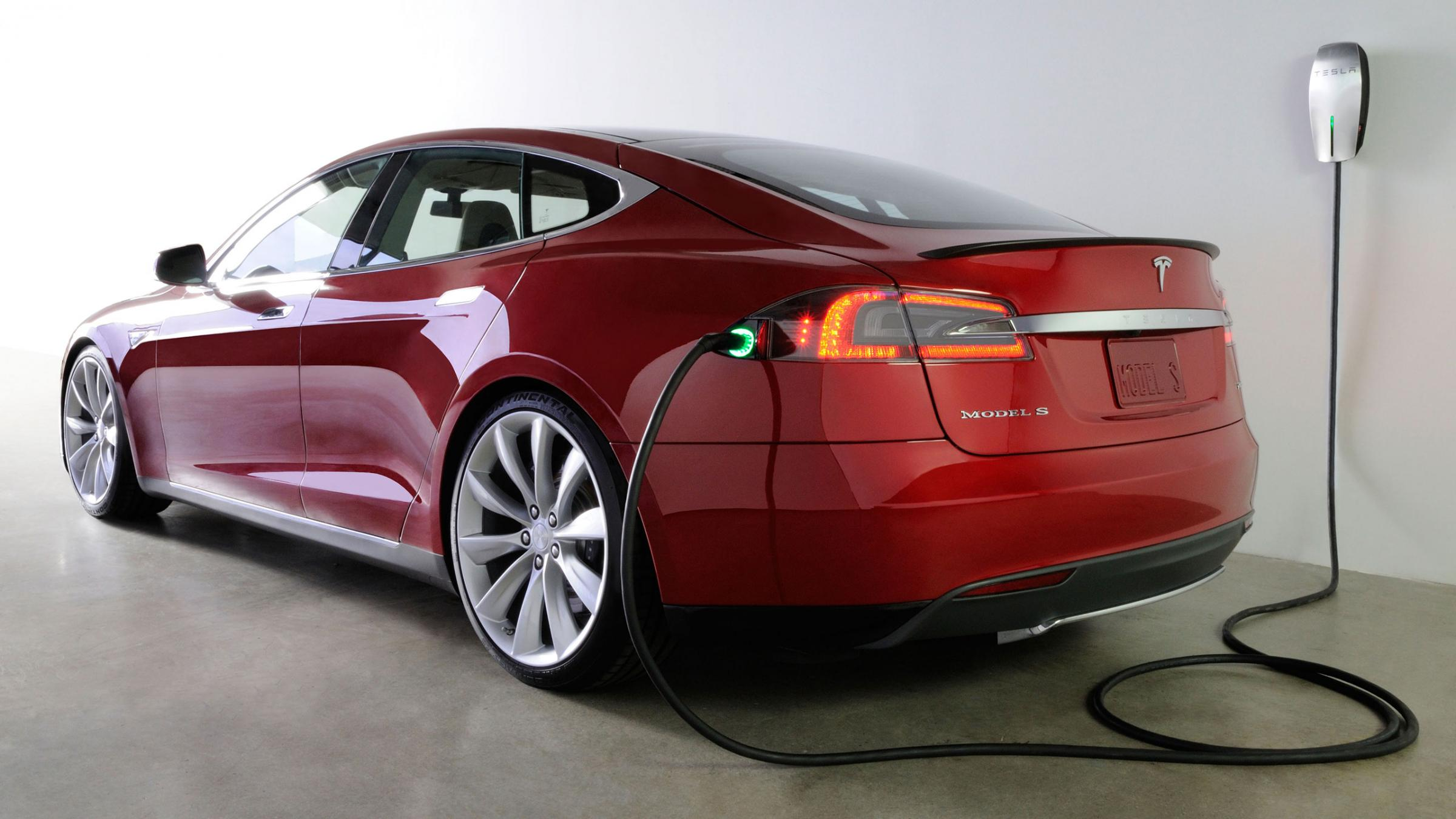 Зарядка Tesla Model S - зарядное устройство, время зарядки