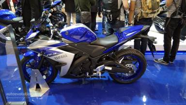 2015-yamaha-yzf-r3-comes-with-better-materials-than-expected-at-eicma-live-photos_2