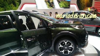 Honda BRV tampak samping