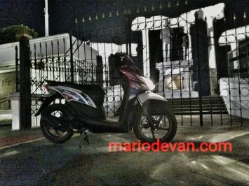 Review Honda beat Pop jalan-jalan sampe ke Tugu Pahlawan