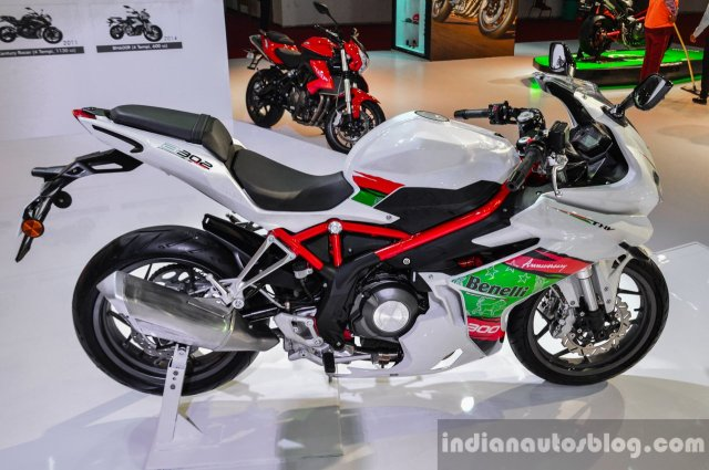 benelli-tornado-300-white-at-auto-expo-2016