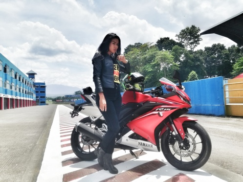 Yamaha R15 MY 2017 with model