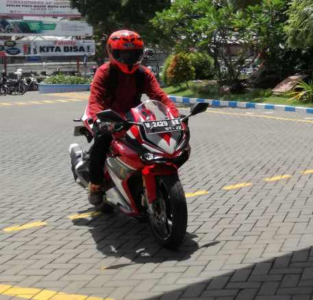 test ride Honda CBR 250rr