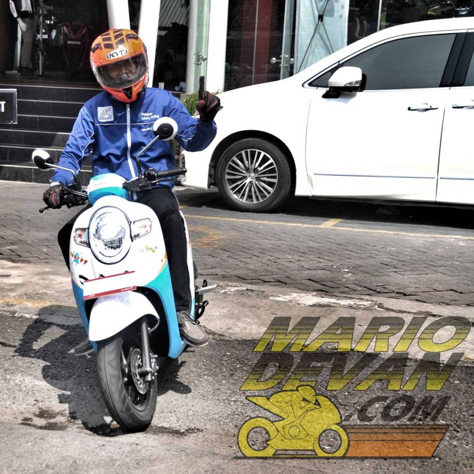 Firts Ride Honda SCOOPY 2017