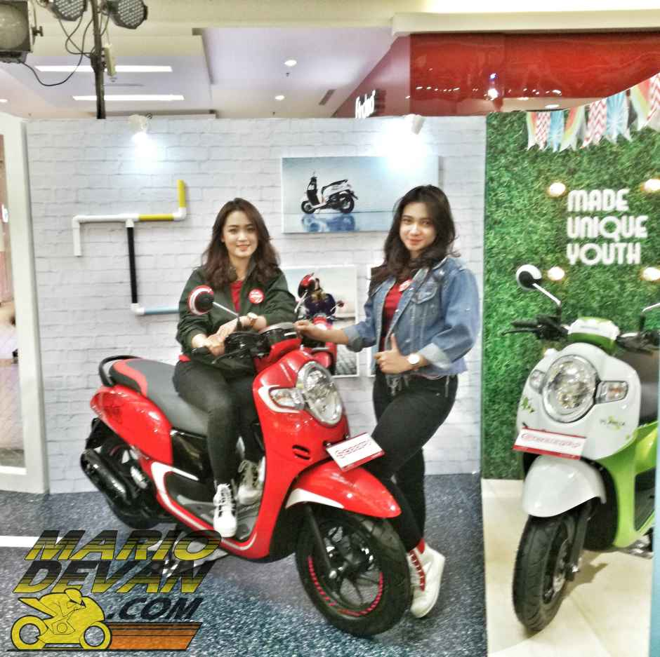 scoopy sporty red 2017