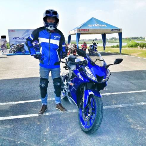 test ride Yamaha R15 VVA sliper clutch di sirkuit benowo