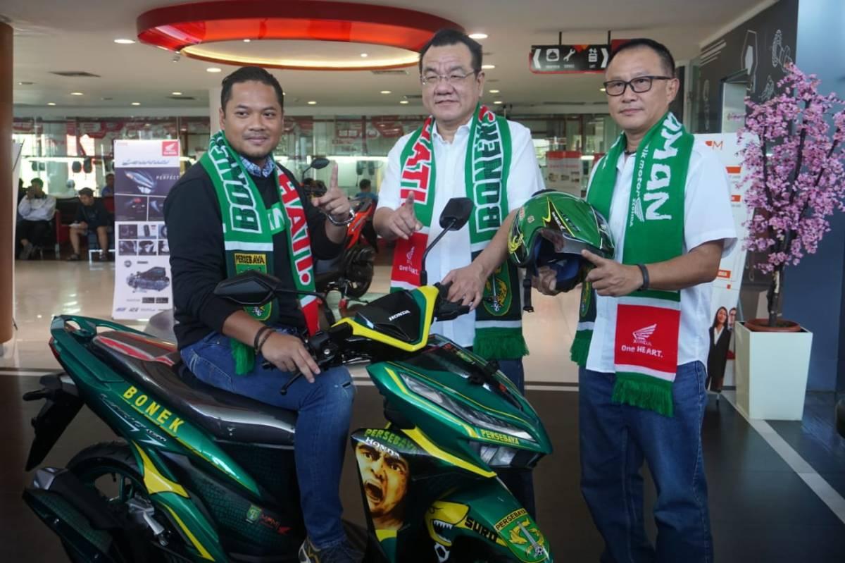 Press Release : Lelang Online Honda Vario 150 Edisi Persebaya Terjual 29 Jt, Hasil lelang didonasikan untuk Legenda Persebaya!